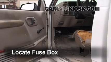 2000 GMC C3500 Sierra SL 7.4L V8 Extended Cab Pickup (2 Door) Fuse (Interior)