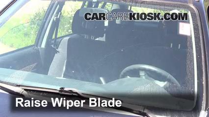 2000 Honda CR-V EX 2.0L 4 Cyl. Windshield Wiper Blade (Front)