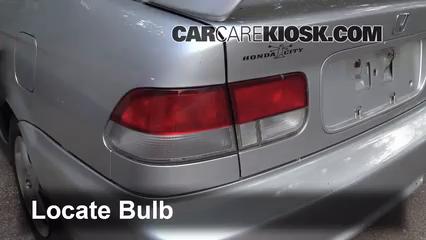 2000 Honda Civic EX 1.6L 4 Cyl. Coupe (2 Door) Éclairage
