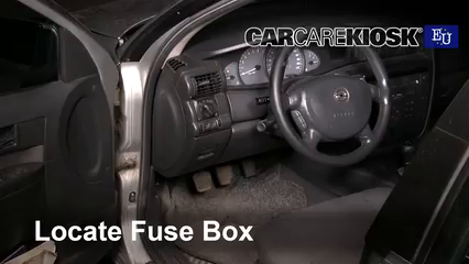 2000 Opel Omega GLS 2.2L 4 Cyl. Fusible (interior)
