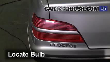 2000 Peugeot 406 LX HDi 2.0L 4 Cyl. Turbo Diesel Luces