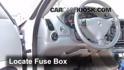 2000 Porsche 911 Carrera 4 3.4L 6 Cyl. Convertible Fusible (interior)