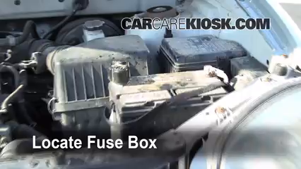 Replace a Fuse: 2001-2006 Hyundai Santa Fe - 2001 Hyundai Santa Fe on 01 volkswagen jetta fuse diagram, 01 kia sportage fuse diagram, 01 ford ranger fuse diagram, 01 lincoln navigator fuse diagram, 01 ford explorer sport trac fuse diagram, 01 jeep cherokee fuse diagram, 01 mercury sable fuse diagram, 01 ford f-150 fuse diagram,
