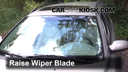 2001 Volvo V70 2.4L 5 Cyl. Windshield Wiper Blade (Front)