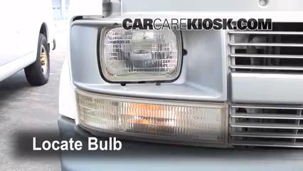 2001 Chevrolet Astro 4.3L V6 Extended Cargo Van Lights Daytime Running Light (replace bulb)