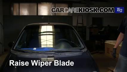 2001 Daewoo Matiz SE 0.8L 3 Cyl. Windshield Wiper Blade (Front)