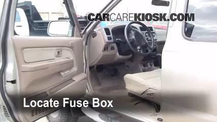 Interior Fuse Box Location 1998 2004 Nissan Frontier 2001 Nissan Frontier Se 3 3l V6 Crew Cab Pickup 4 Door