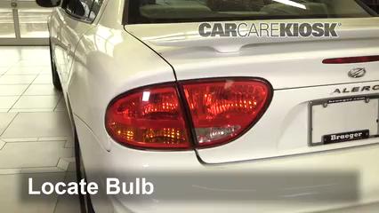 2001 Oldsmobile Alero GL 2.4L 4 Cyl. Sedan (4 Door) Lights