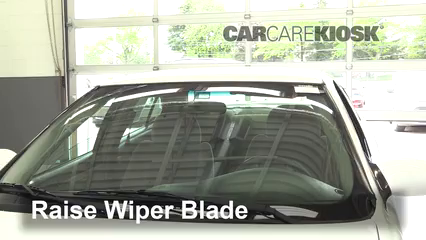 2001 Oldsmobile Alero GL 2.4L 4 Cyl. Sedan (4 Door) Windshield Wiper Blade (Front)