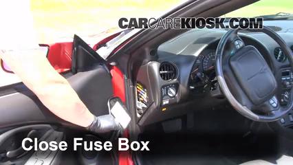 Interior Fuse Box Location 1993 2002 Pontiac Firebird 2001 Pontiac Firebird 3 8l V6 Convertible