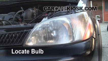 2001 Toyota Echo 1.5L 4 Cyl. (4 Door) Luces Luz de giro delantera (reemplazar foco)