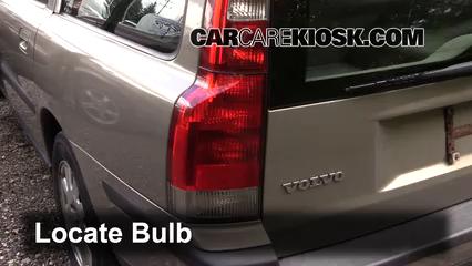2001 Volvo V70 2.4L 5 Cyl. Luces Luz de reversa (reemplazar foco)