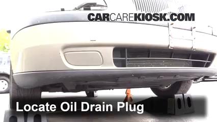 2001 Volvo V70 2.4L 5 Cyl. Aceite Cambiar aceite y filtro de aceite