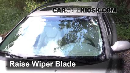 2001 Volvo V70 2.4L 5 Cyl. Windshield Wiper Blade (Front)