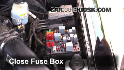 1998 gmc jimmy fuse box replace a fuse 1998 2001 gmc jimmy 2001 gmc jimmy sle 4 3l v6  replace a fuse 1998 2001 gmc jimmy