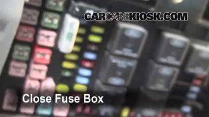 Interior Fuse Box Location 1999 2007 Ford F 250 Super Duty 2002