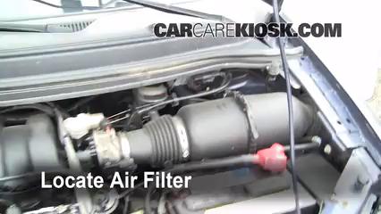 1999-2003 Ford Windstar Engine Air Filter Check - 2002 Ford Windstar SEL  3.8L V6CarCareKiosk