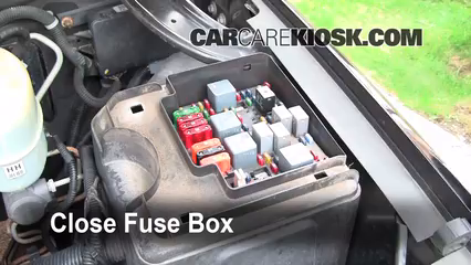 replace a fuse 2000 2006 gmc yukon xl 2500 2002 gmc yukon xl 2500 rh carcarekiosk com 2002 gmc yukon fuse box location 2002 gmc yukon denali fuse box