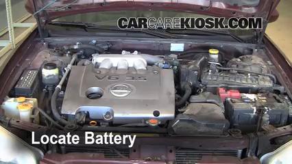 2002 Nissan Maxima GLE 3.5L V6 Battery Jumpstart