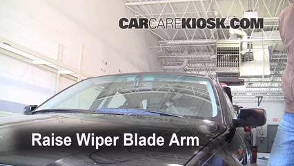 2002 BMW 325i 2.5L 6 Cyl. Sedan Windshield Wiper Blade (Front)