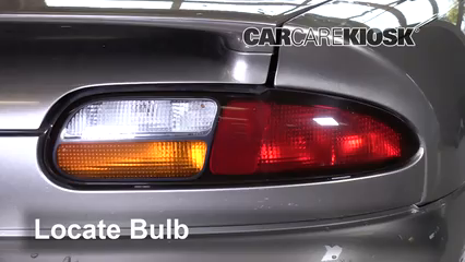 2002 Chevrolet Camaro 3.8L V6 Convertible Éclairage