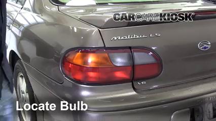 2002 Chevrolet Malibu LS 3.1L V6 Éclairage