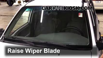 2002 Chevrolet Tracker 2.0L 4 Cyl. (4 Door) Windshield Wiper Blade (Front)