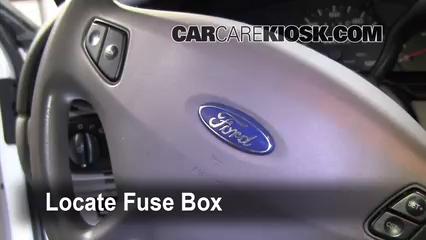 Interior Fuse Box Location 2000 2007 Ford Taurus 2001 Ford Taurus Se 3 0l V6