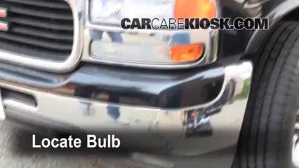 2002 GMC Yukon XL 2500 SLT 8.1L V8 Lights Fog Light (replace bulb)