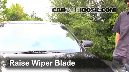 2002 Lincoln LS 3.9L V8 Windshield Wiper Blade (Front)