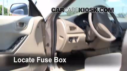2002 Mitsubishi Galant ES 2.4L 4 Cyl. Fuse (Interior)