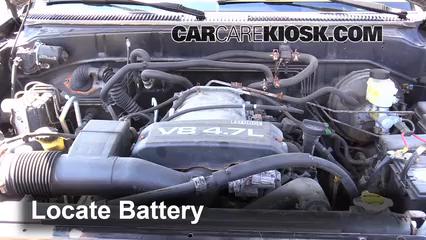 2002 Toyota Sequoia SR5 4.7L V8 Batería Limpiar batería y terminales