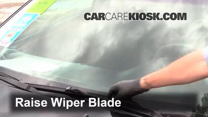2002 Toyota Solara SLE 3.0L V6 Coupe Windshield Wiper Blade (Front)