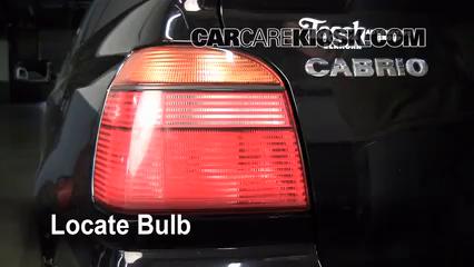2002 Volkswagen Cabrio GLX 2.0L 4 Cyl. Lights