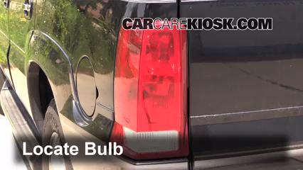2003 cadillac escalade 6 0l v8 lights turn signal - rear (replace bulb)