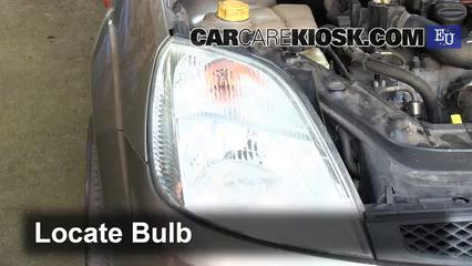 Ubicación de caja de fusibles interior en Ford Fiesta 2002 ... on