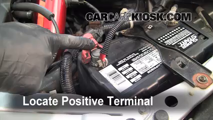 How To Jumpstart A 2001 2005 Honda Civic   2003 Honda Civic Si 2.0L 4 Cyl.