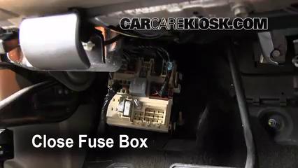 Interior Fuse Box Location 2003 2009 Hummer H2 2003