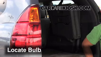 2003 Lexus GX470 4.7L V8 Lights Turn Signal - Rear (replace bulb)