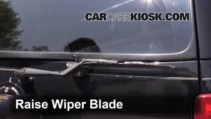 2003 Cadillac Escalade 6.0L V8 Windshield Wiper Blade (Rear)