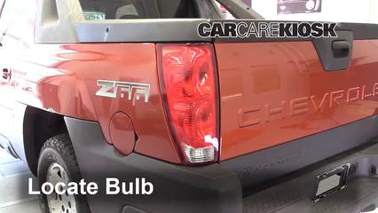 2003 Chevrolet Avalanche 1500 5.3L V8 Éclairage Feu stop (remplacer ampoule)