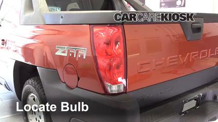 2003 Chevrolet Avalanche 1500 5.3L V8 Éclairage Feux de position arrière (remplacer ampoule)