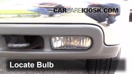 2003 Chevrolet Tahoe LS 5.3L V8 Luces Luz de niebla (reemplazar foco)