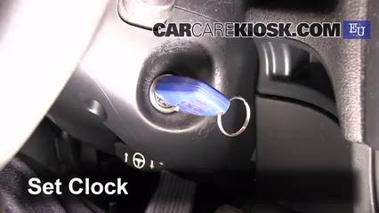 2003 Fiat Stilo 5-Porte JTD 1.9L 4 Cyl. Turbo Diesel Horloge Régler l'horloge