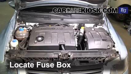 2003 Fiat Stilo 5-Porte JTD 1.9L 4 Cyl. Turbo Diesel Fusible (moteur) Contrôle