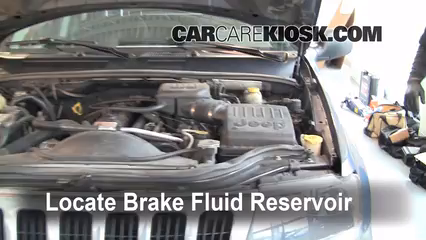 2003 Jeep Grand Cherokee Laredo 4.0L 6 Cyl. Brake Fluid Check Fluid Level