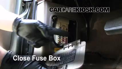 Interior Fuse Box Location 2002 2005 Kia Sedona 2003 Kia Sedona Ex 3 5l V6