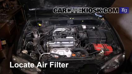 2003 Mitsubishi Colt GL 1.3L 4 Cyl. Filtro de aire (motor) Control