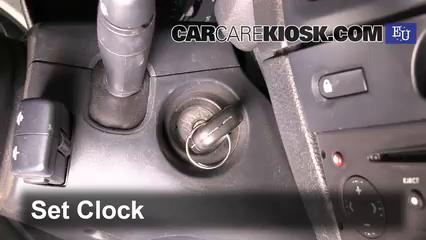 2003 Renault Clio dCi 1.5L 4 Cyl. Turbo Diesel Reloj Fijar hora de reloj