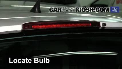 2003 Renault Clio dCi 1.5L 4 Cyl. Turbo Diesel Luces Luz de freno central (reemplazar foco)